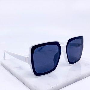 🆕White frame black lens fashion sunglasses
